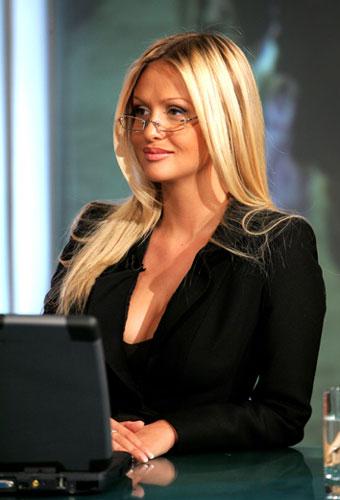 фотографии девушек блондинок с грудью